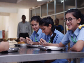 NUTRITIOUS AND HEALTHY FOOD FOR BOARDERS