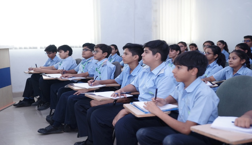 how can boarding school students become more Independent learners